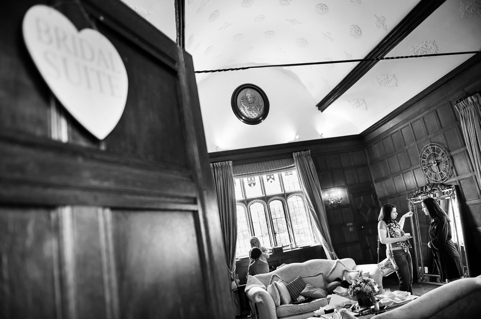 Hengrave-Hall-wedding-photographer-Tori-Deslauriers-0012