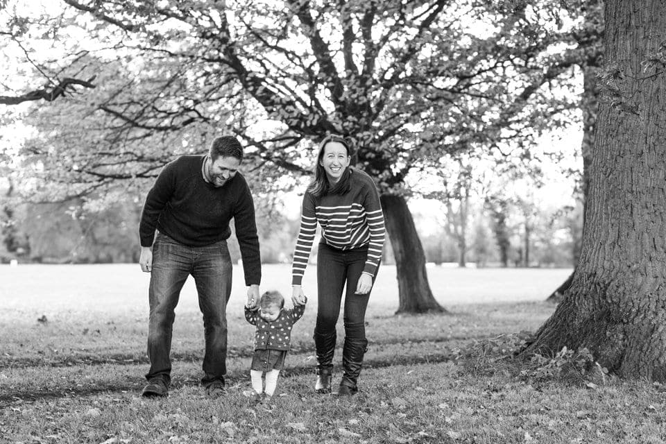 Leicestershire family photographer: freezing photos in the park