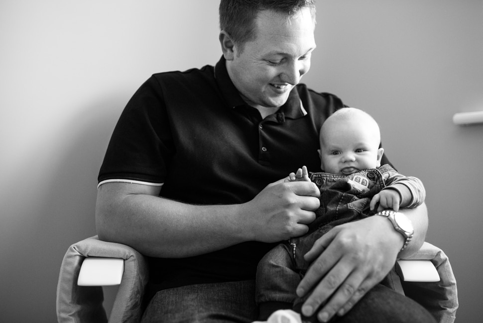 family photo session, dad and baby photos, Watford newborn photographer, newborn photos at home